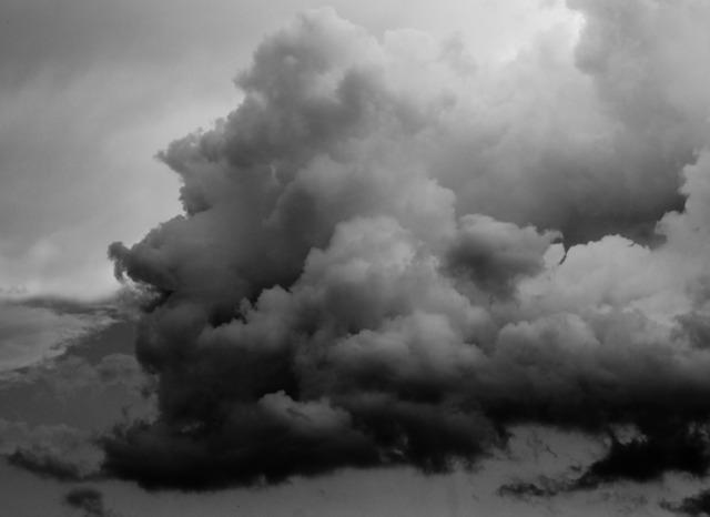 瞑想体験。灰色の泥のようなもの。